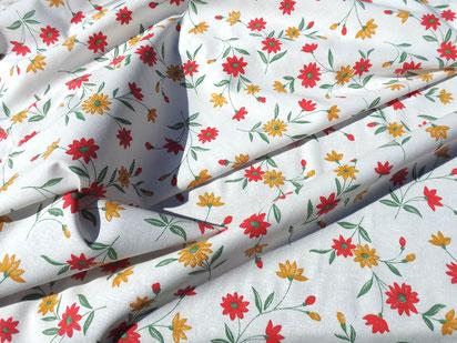 Reine Baumwolle - rote und gelbe Blumen