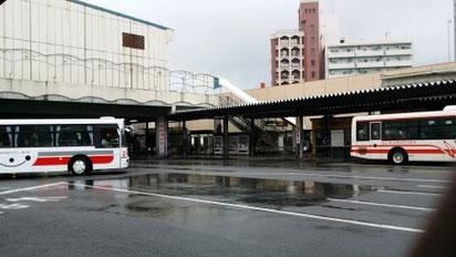 학교 말고도 어디로도 갈 수 있는 구마모토교통센터, 맨션에서 3분거리