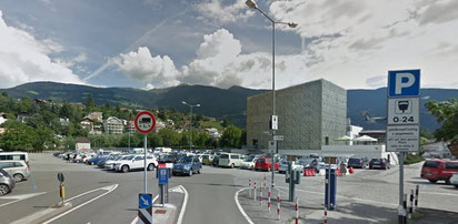 Il parcheggio pubblico nei pressi dellAcquarena