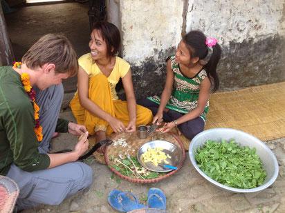 Essen zubereiten mit Nepalesen Chitwan