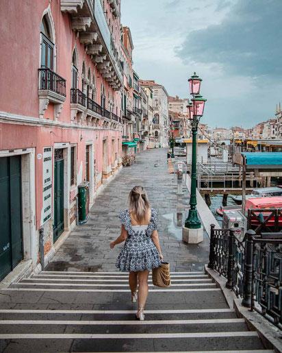Im Blogartikel dreht sich alles um 10 Instagram Spots in Venedig.