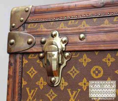 shiny polishing vuitton trunk solid brass clasps