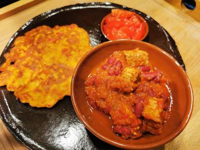 Chili con tempeh met Mexicaanse pannenkoekjes