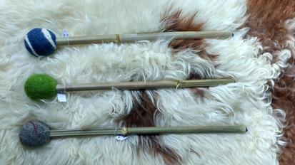 T3: Trommelschlägel mit Bambusgriff, je 22 €