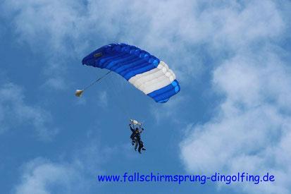 Tandemsprung Bayern mit Tandemfun in Dingolfing. Gutscheine online.