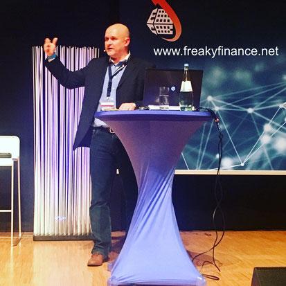 freaky finance, Immopreneur Kongress 2017, Hauptbühne, Darmstadtium, Andreas Sell auf der Bühne