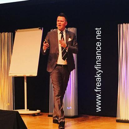 freaky finance, Immopreneur Kongress 2017, Hauptbühne, Darmstadtium, Rudi Brauner auf der Bühne
