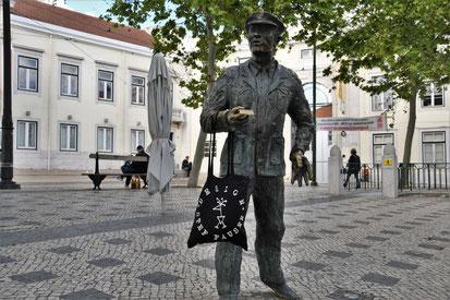 Die schwarzen Cotton Totes von Stef Fauser sind auch in Lissabon heißbegehrt. Foto Stef Fauser Design