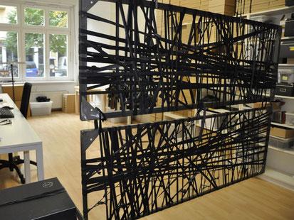 Jedes mit Fahrradschlauch umwickelte Steckboard aus dem Hauses Stef Fauser Design ist ein Unikat. Foto: Stef Fauser Design