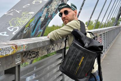 Dieser Rucksack passt zu jedem Typ: Carringer aus Fahrradschlauch und Cordura von Stef Fauser Design Berlin.