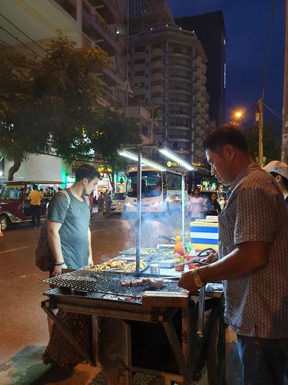 Straßen BBQ auf dem Heimweg vom Strand zum Hotel in Nha Trang