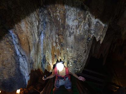 Wanderung durch die Lung Khuy Höhle am Ha Giang Loop