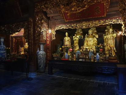 Schrein im Tempel bei Tang An