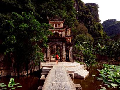 Eingang Bich Dong Pagoda
