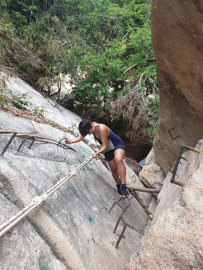 Kletterpartie zum Bo Ho Wasserfall