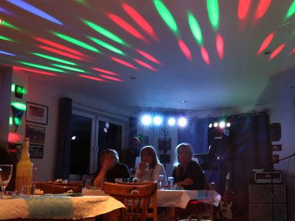 Licht als Sternchen, 13 sec, ISO 100, Blende 1:13, Belichtungskorrektur - 1 LW, 27mm (Vollformat)