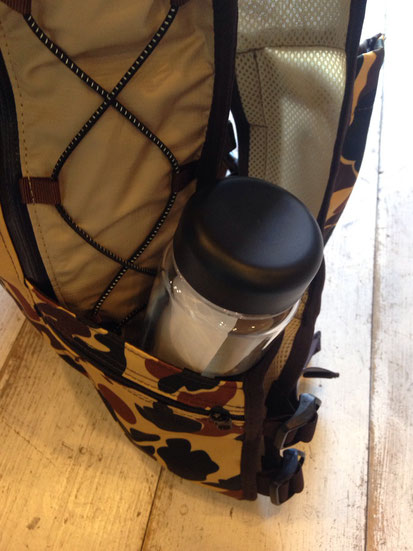 何気に超重要なジップポケット以外のサイドポケット‼予備の水分及び装備物を収納できるのは大きい!!