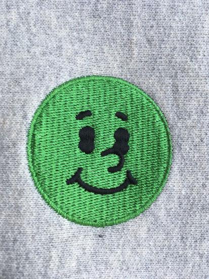 前面刺繍ロゴ