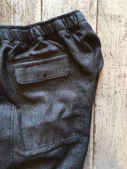 左側面スナップポケット