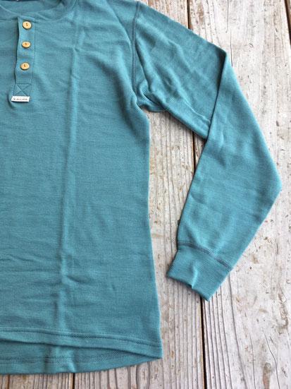 裾周り(17FWより切りっぱなしステッチから変わりました)