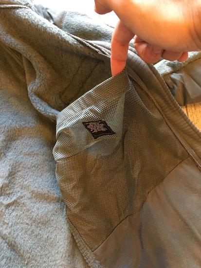 インナーメッシュポケット(両サイドあり)