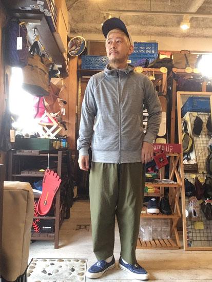 ※172㎝63㎏体型でサイズ「M」着用(Gray Marl)