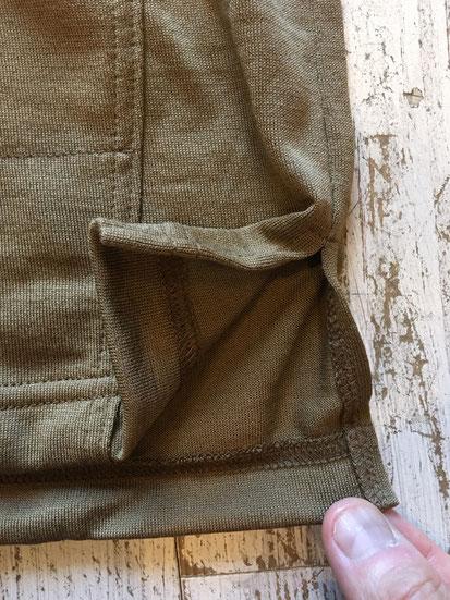 裾は後ろ身頃が少し着丈が長目です