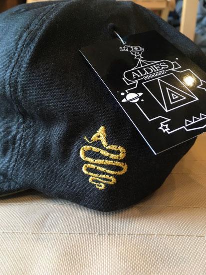 側面ALDIES刺繍ロゴ