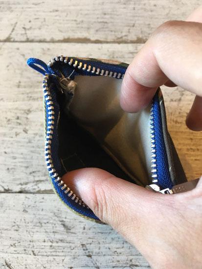 メインジップポケット