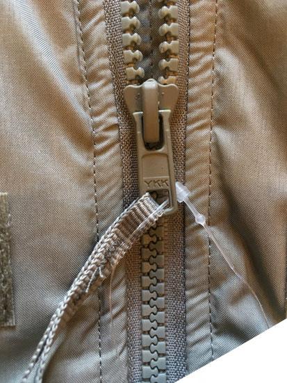 メインジップ内メッシュポケット(両サイドあり)