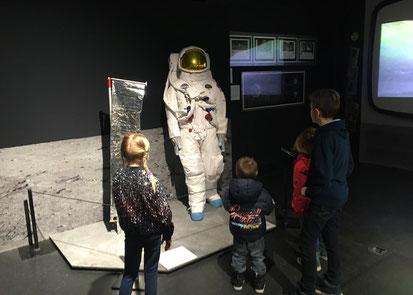 ausgestellter Astronautenanzug