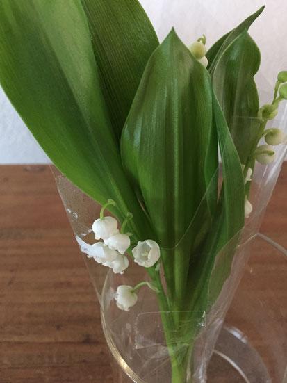 スズランをいただいた♪ こんなにいい香りがするなんて知らなかった! 中村さんありがとうございました。