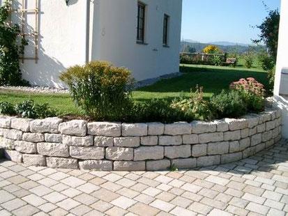 Jura-Kalkstein Schichtmauerwerk