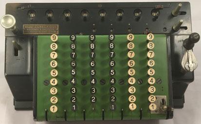 TIM (Time Is Money) modelo I de teclas, s/n 30210, capacidad 6x5x8, hecho por Ludwig Spitz & Co, GmbH (Alemania), distribuida por CUREL frères (Lyon), año 1909, 33x22x15 cm