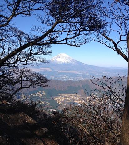 (箱根・神山頂上から望む富士山)  H26.11月撮影