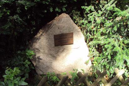 Gedenkstein zu Ehren von Hubert Schumacher