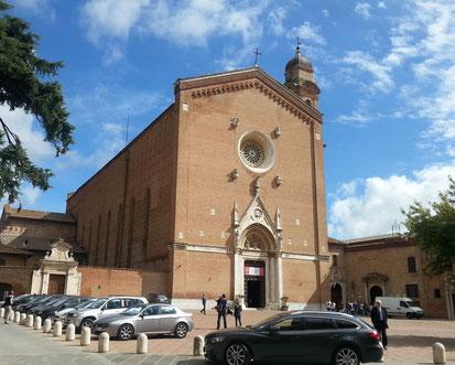 アンブロージョ ロレンツェッティのフレスコ画が必見 サンフランチェスコ教会