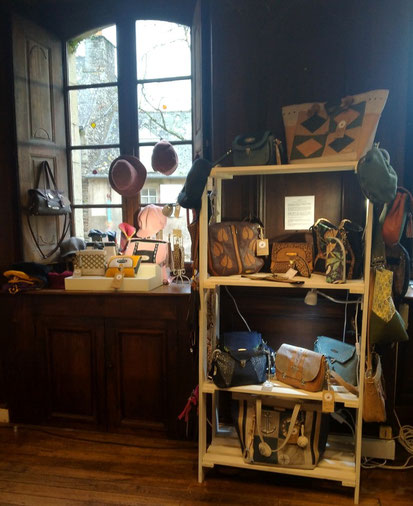 photo-enseigne-maison-des-artisanes-rochefort-en-terre