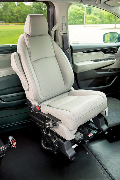 BraunAbility Turny Rotating Seat Lift
