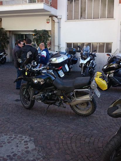 Da muss ich sie alleine lassen bei BMW-Roma
