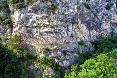Sensationelle Kammfahrten und aufregende Trails auf der Transalp Classic e-Mountainbike Reise