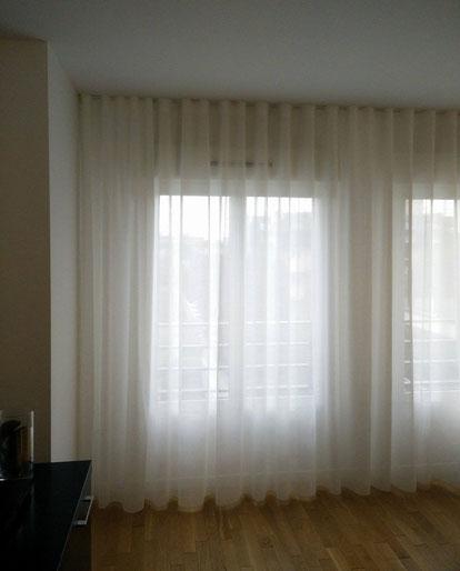 Rideaux wave la tendance loft tapisserie d coration richiardi - Voilage baie vitree ...