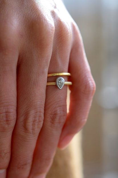 ペアシェイプカットダイヤモンドの着用