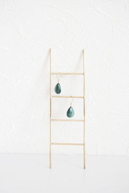 ラック・アクセサリースタンド〈 ladder 〉2,420 yen