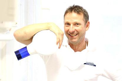 Dr. med. dent Klaus Hilfenhaus, Zahnarzt