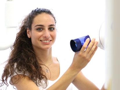 Melis Gökceli, Auszubildende zur zahnmedizinischen Fachangestellten