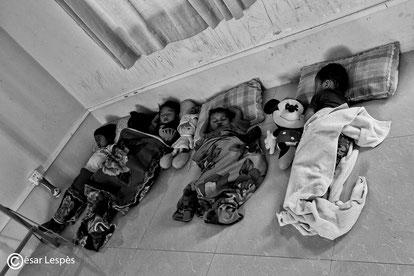 Quelques orphelins endormi.