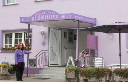 Herzlich Willkommen bei Plumhoffs, das Haus mit der persönlichen Note, in der Rhön im Gasthof Hotel Plumhoff Hünfeld-Sargenzell