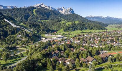 Landschaft, Häuser, Luftaufnahmen, schönes Wetter, Sonnenschein, Idylle, Zugspitze, Berg