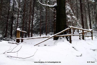 Beschädigte Geländer am Seifberg